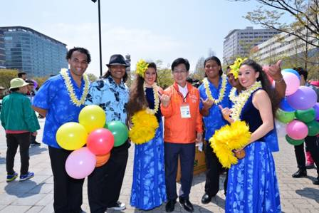 Event attracts 430,000 people including foreigners