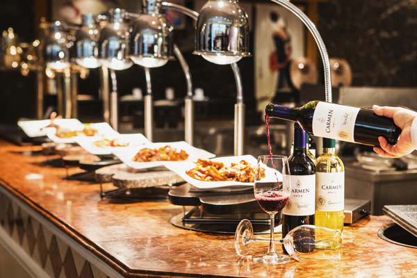 The Grand Hilton Seoul offers 'Tuesday's Wine & Dine Buffet'