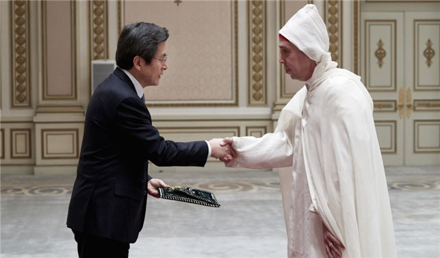 Acting President Hwang receives credentials from five newly accredited foreign ambassadors