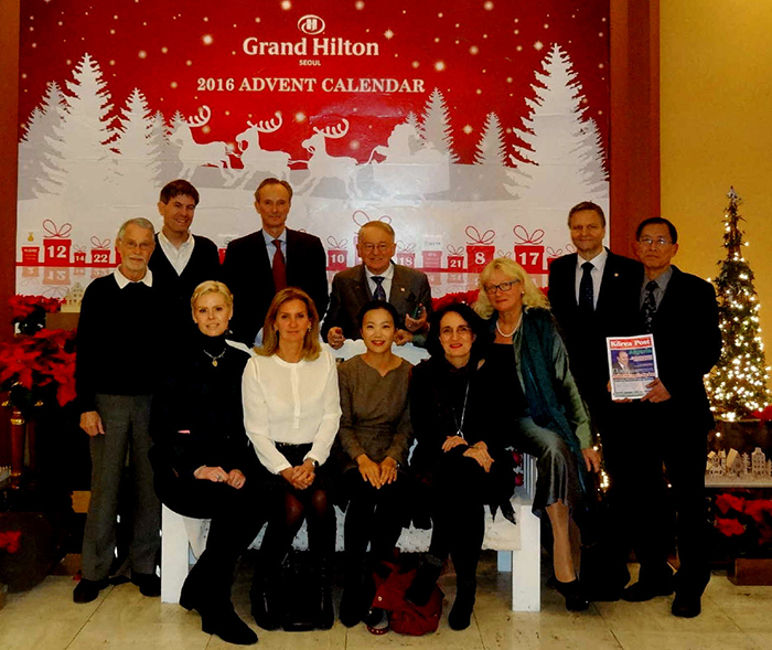 GM Brender of Grand Hilton hosts informal party for German, Korean celebrities