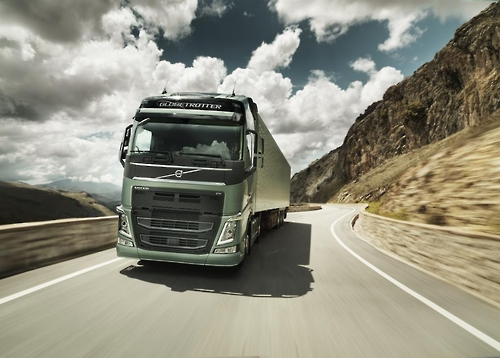 Sales of imported trucks rise to record volume in 2016