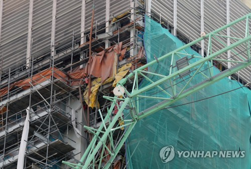 Samsung Heavy resumes operations after deadly crane accident