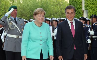 Moon, Merkel vow to boost cooperation on N. Korea, trade