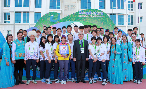 Korean Team to 2017 Ashgabat Indoor Sports meet attends welcoming ceremony
