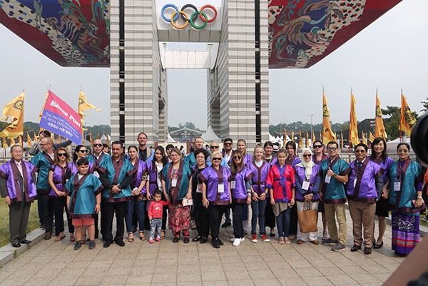 Mayor Park of Songpa-gu welcomes envoys, spouses to Baekje Dynasty Culture Festival
