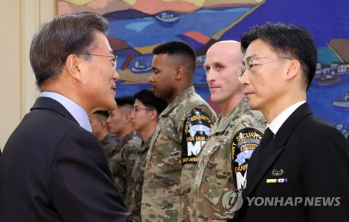 President Moon commends JSA troops over defection of N. Korean soldier
