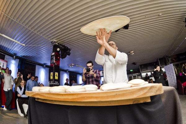 Acrobatic Pizza Event at Il Ponte