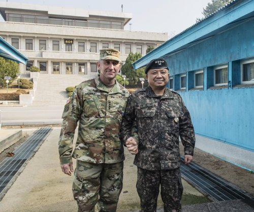 U.S. commander supports inter-Korean military deal on reducing tension