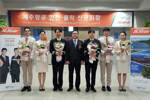 Jeju Air begins Incheon-Clark flight service