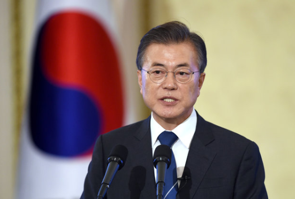 Moon orders thorough probe into snowballing scandal involving K-pop stars