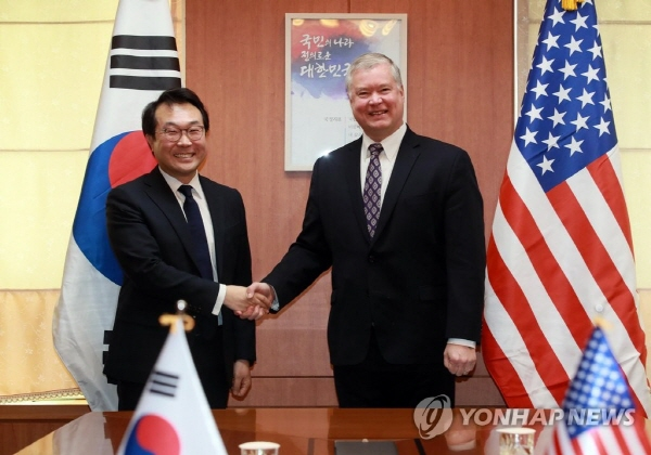 Nuclear envoys of S. Korea, U.S. discuss denuclearization, peace efforts