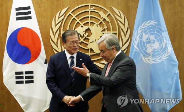 Moon, U.N. chief discuss Korea peace process, climate change