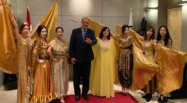 Ambassador and Mrs. Amal Nosseir of Egypt (fourth and fifth from left, respectively) with the participaants in the Egyptian-Korean Cultural Fashion Show held at the Egypt Embassy with models wearing pharaonic customs in October 2019.