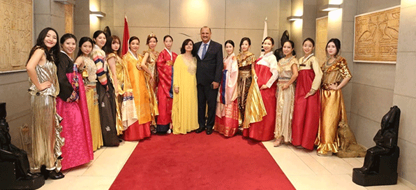 Ambassador and Mrs. Amal Nosseir of Egypt (7th and 8th from right) with models and guests at the Egyptian-Korean Cultural Fashion Show held at the Egypt Embassy in Seoul in October 2019.