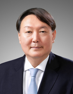 Prosecutor General Yoon Seok-yeol. Yoon is largely considered a very honest person aloof from political affiliation or favoritism. Yoon enjoys a very large measure sympathy and support from the majority of the Korean people these days for his effort to be true to the performance of his job properly.