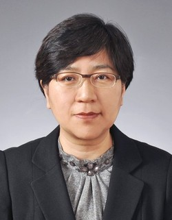 Director Mme. Jung Eun-Kyeong of the Centers for Disease Control & Prevention. Mme. Jung has become a very famous persons for the successful control of the spread of COVID disease by her office of the Ministry of Health and Social Affairs.