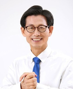 Gochang County Mayor Yoo Key-sang
