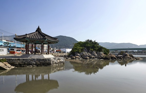 Mangsan Island, Gimhae, said to have arrived by Huh Hwang-ok, the Indian princess