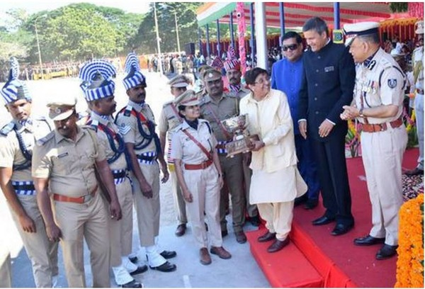 Lieutenant Governor Kiran Bedi gives an award to the India Reserve Battalion for the best passing out parade during the republic day celebrations.   -  The Hindu