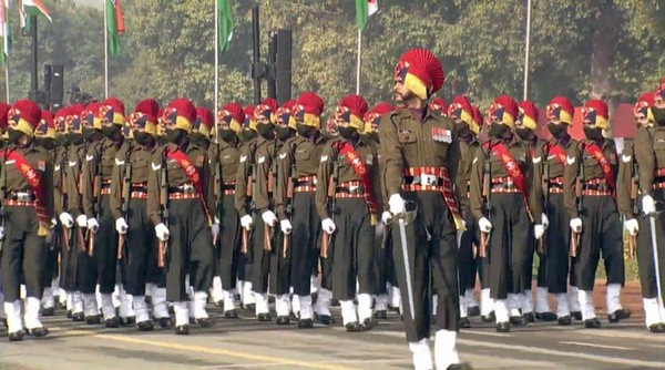 Republic Day Parade 2021 LIVE updates A total of 32 tableaux — 17 of various states and UTs, nine of ministries and six from the defence arm — will be seen going down Rajpath.