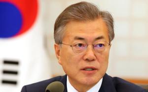 Moon likely to hold three-way summit with Chinese, Japanese leaders in May: official