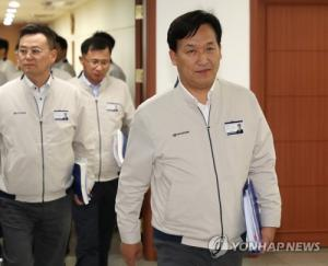 Hyundai Motor labor and management agree to wage deal