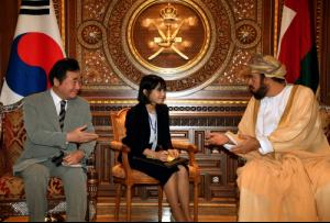 Premier Lee visits Oman discusses way with Omani leaders to promote relations, cooperation