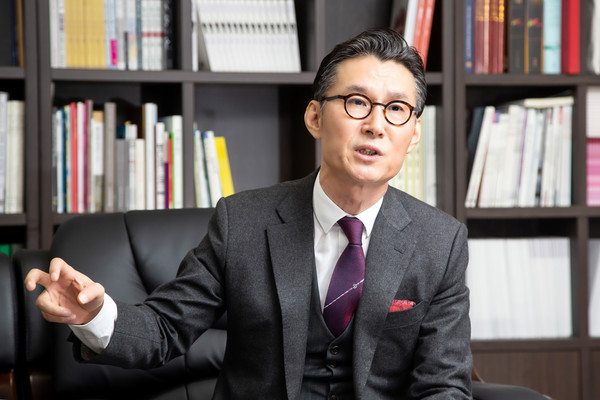 Lee Bum-heon, chairman of the Federation of Artistic & Cultural Organizations of Korea (FACO), speaks at an interview with The Korea Post media.